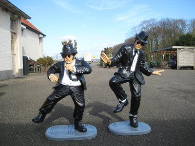 Blues Brothers 100 cm koppel -polyester-beelden AKTIE PRIJS