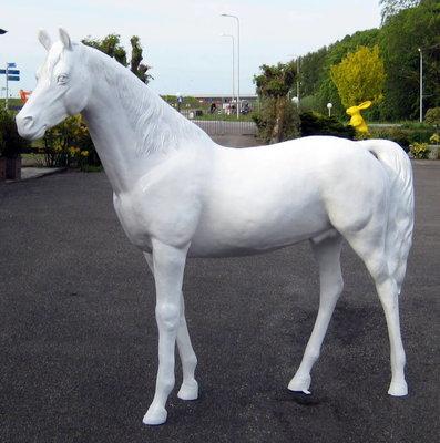 paard kunstpaard levens groot wit hoogglans €595