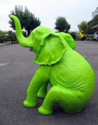 olifant Happy olifant kunst beeld polyester groen 180x140x100cm