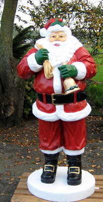 Kerstman 185cm polyester beeld €491