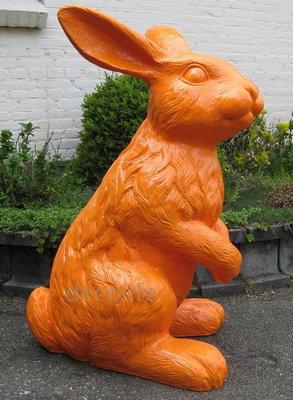 haas konijn XXL polyester kunst beeld oranje