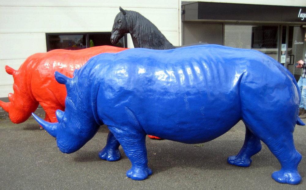 neushoorn Rhinoceros beeld polyester blauw