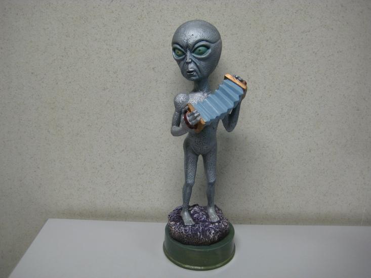 Alien Beeld135x17cm  Led verlichting
