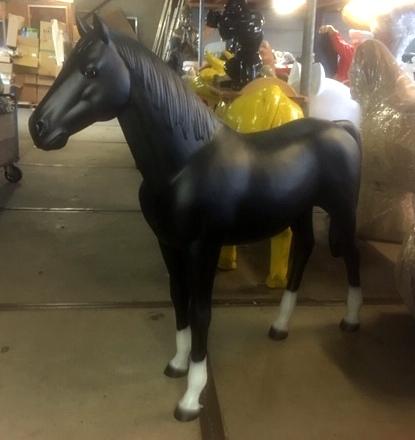 Paard Beeld 199x165cm mat zwart