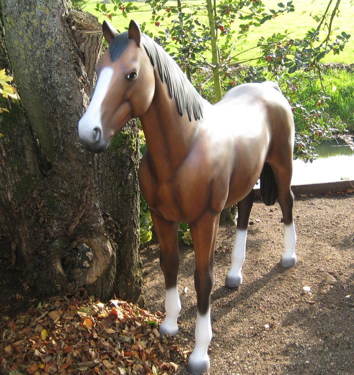 Paard Beeld 199x165cm bruin