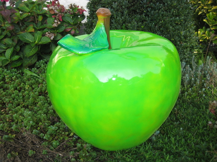Appel polyester met blad  45cm