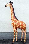 giraffe polyester beeld