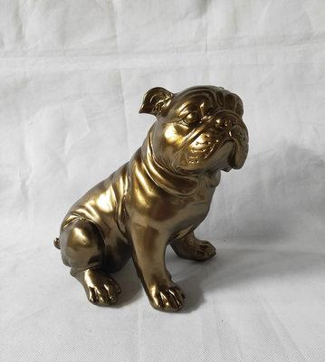 Engelse Bulldog Zittend - goud