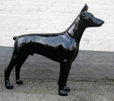 Dobermann zwart hoogglans kunsthars 105cm