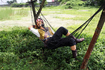 Piraat Beeld  liggend in Hangmat 195cm