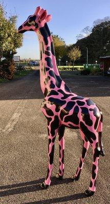 Giraffe 210cm -kunst beeld- zwart Fuchsia -design handwerk