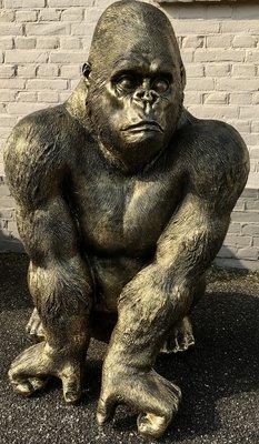 Aap Gorilla Zittend 100cm -Jambo-gebronsd polyester beeld