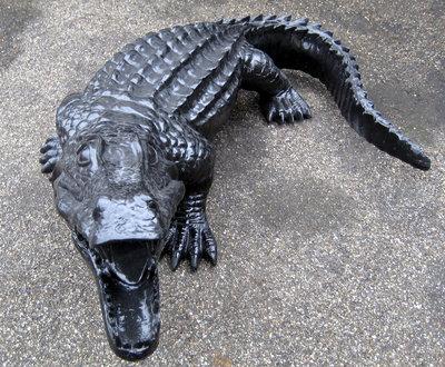 Krokodil polyester zwart hoogglans 120cm