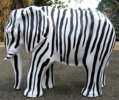 Olifant-kunst-polyester- zebra 75cm