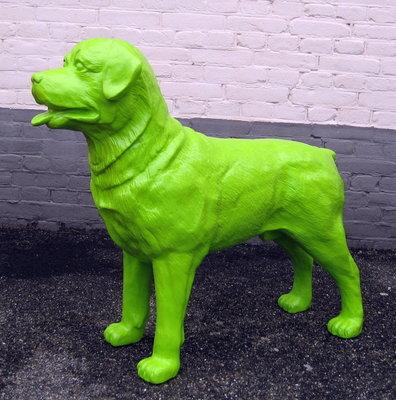 Rottweiler - polyester beeld 85cm groen