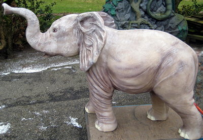 olifant polyester beeld 170cm