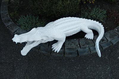 Krokodil Polyester beeld krulstaart 120cm wit
