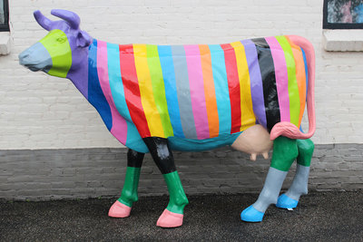 Kunst koe - Rainbow Hippy stijl