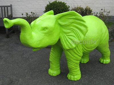 olifant polyester beeld groen kunst 325,00
