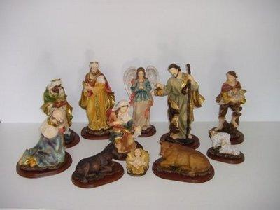 Beelden  groep kerststal-11 stuks