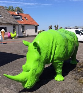 neushoorn rhino life size