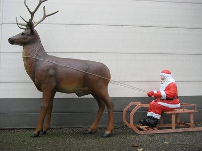Kerstman Met Slee Rendier Decolife De Polyesterbeelden En Decoratie Webshop