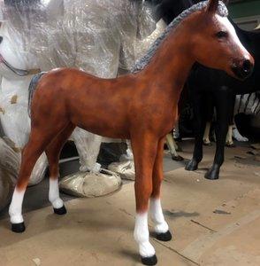veulen beeld paard polyester beeld