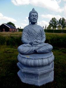 boeddha op zuil-console-